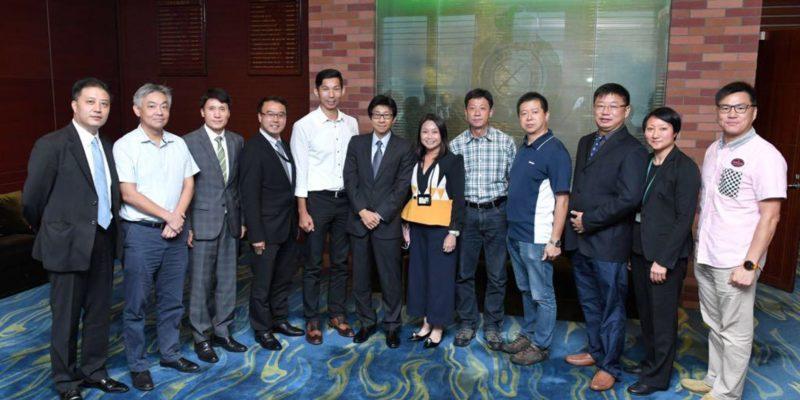 2017年10月16日海關工會與公務員事務局局長羅智光先生會面前合照